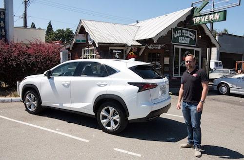 Redaktionschefen tycker designen på Lexus NX är lyckad. TV:s redaktion tycker designen på redchefen bör ifrågasättas.