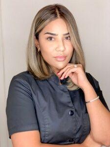 Malika Begmuradova Sadik äger Malikas Beauty Studio i Stockholm och är en av Sveriges bästa när det kommer till microblading.