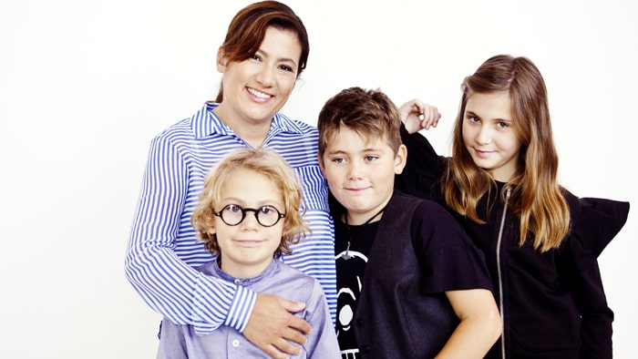 Juliana Wilund med sina tre barn; Noah, 7, Leo, 9, och Brisa, 10.