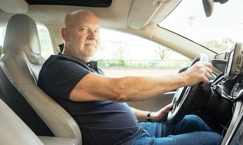 """Michael Lindblad kör fyrhjulsdrivna Tesla 75D. I dag har han fem. """"Det är en fantastiskt fin vinterbil."""""""