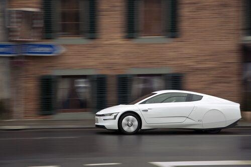 Volkswagen XL1 är hal med en luftmotståndskoefficient på 0,189. Prototypen av XL1 hade ännu lägre värde på 0,186.