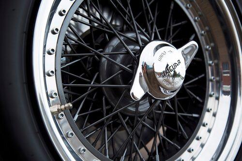 Handbyggda 17-tums ekerhjul.