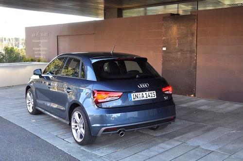 Audi är världsledande på billjusdesign för tillfället. Självfallet nytt, mer bestämt, utseende på bakljusen.