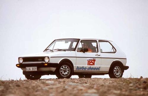 Första Golf GTD kom 1982. Här i test i Teknikens Värld med Dag E Hogsten bakom ratten.