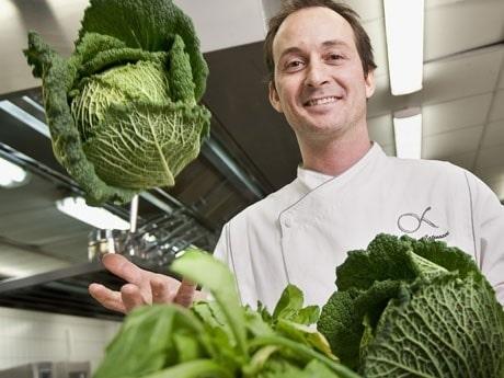 <p>Stefano Catenacci, h&auml;r glad f&ouml;r att restaurangen blev Svanenm&auml;rkt 2009.</p>