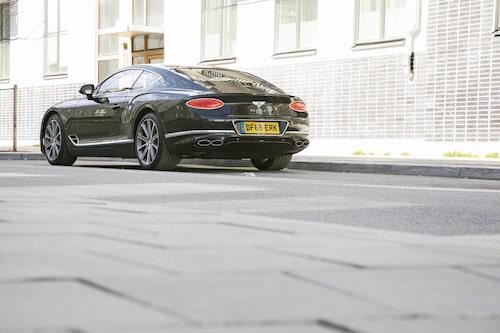 """""""Bentley Eight"""" var en sportigare instegsvariant 1982-1994. Även GT V8 kanske kan öka försäljningen?"""