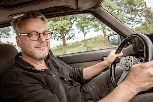 Mysstund på jobbet. Hans Hedberg har själv ägt sportmodellen 75 QV V6 3,0. -Vill ha tillbaka!