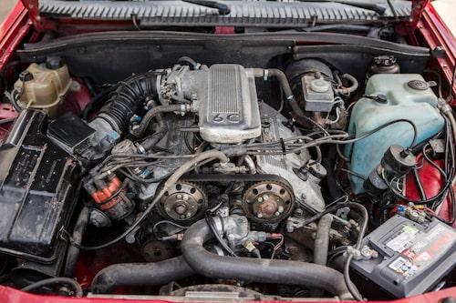 """Hjärtat. """"6C"""" på toppen symboliserar """"Sei Cilindri"""", 2,5 V6-motorn debuterade 1979 i lyxsedanen Alfa 6. Treliters gjorde sin debut 1987 i Alfa 75 3,0 V6."""