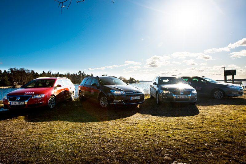 Från vänster: Volkswagen Passat BlueMotion, Citroën C5 1,6 HDi, Volkswagen Passat TSI EcoFuel och Citroën C5 BioFlex.