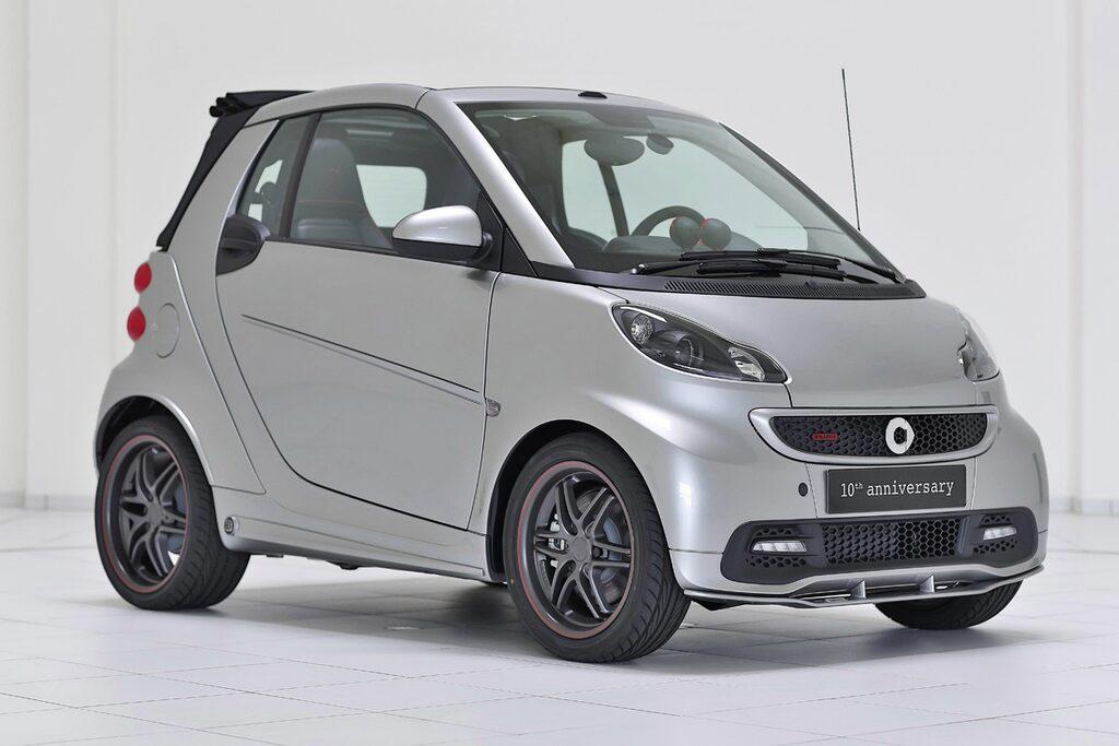Jubileumsmodellen, som endast ska byggas i 100 exemplar – alla numrerade, kommer att baseras på vanliga Smart Fortwo Brabus.