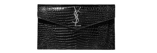 En läderväska och voila – du har en snygg kaftanlook redo!