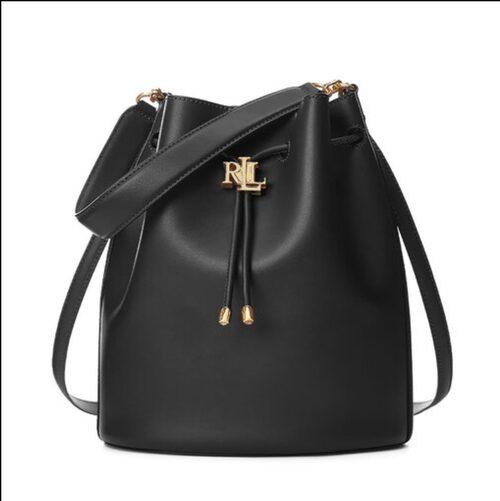 Svart lyxig bucketbag från Ralph Lauren.