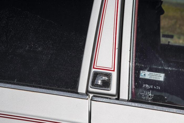 Eagle syns lite överallt på bilen, både i text och på bild. Starkt varumärke.