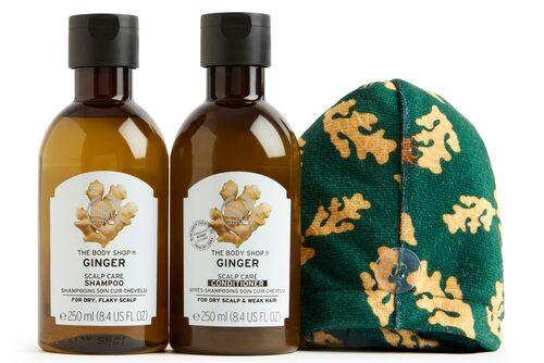 I den här förpackningen hittar du en ingefärsdoftande duo och en smart hårhandduk. Shake, & swish ginger hairduo, 235 kr.