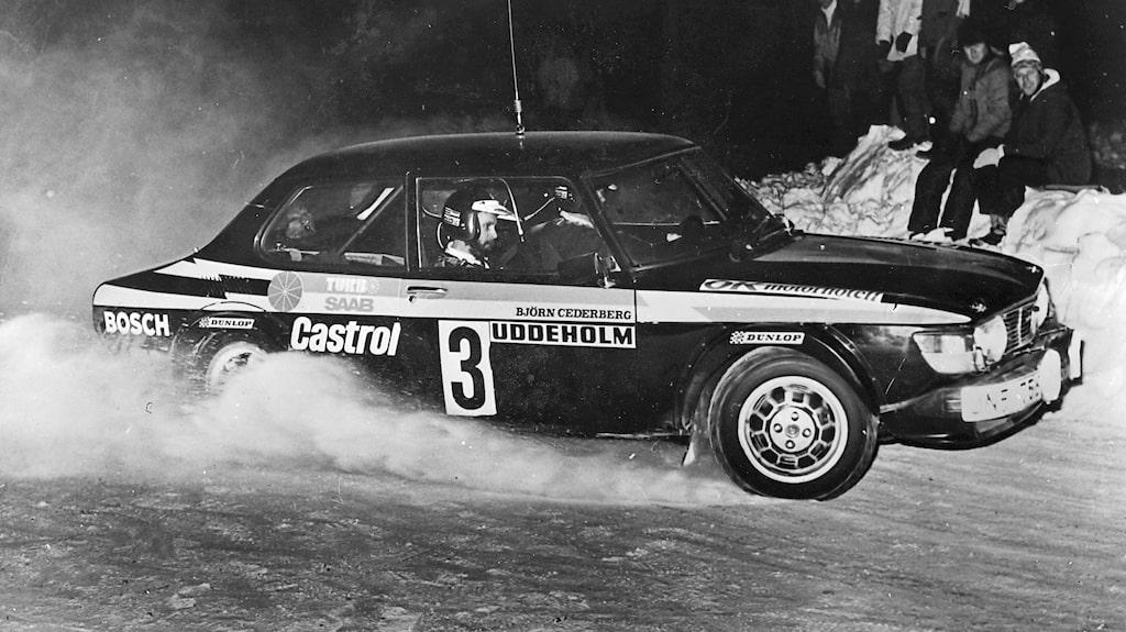 Stig Blomqvist blev historisk genom att bli den förste att vinna ett VM-rally i en turbodriven bil. Året var 1979, Svenska Rallyt.