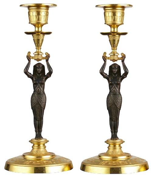 Empireljusstakar i den egyptiserande stilen, fotplatta