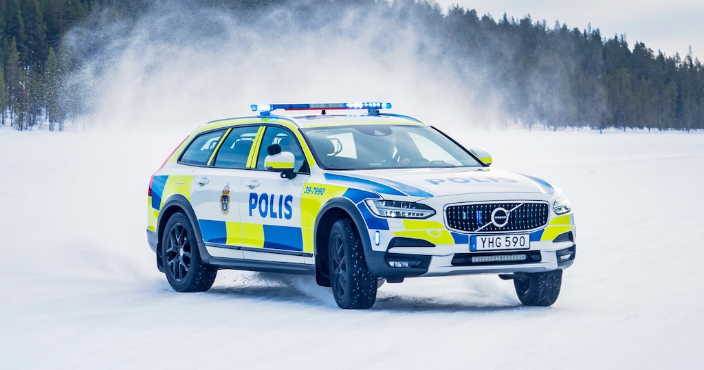 Volvo V90 Cross Country Polisbil
