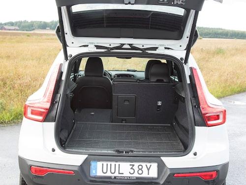 Bagageutrymmet är något mindre än i exempelvis BMW X1, men är fyrkantigt och lättlastat.