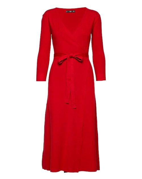 Röda klänningar är perfekt till julen.