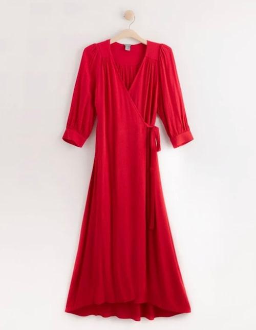 Omlottklänning med puffärm från Lindex.