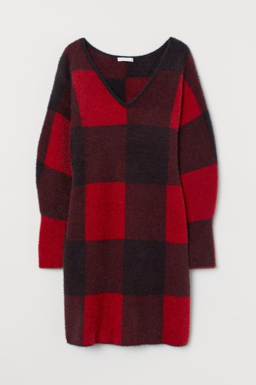 Stickad klänning i rött från H&M.