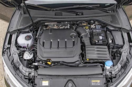 Dieselmotorn på 150 hästar och 360 Nm ger bättre prestanda än väntat. Skön gång!
