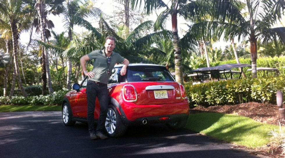 Daniel Frodin med nya Mini Cooper i Puerto Rico