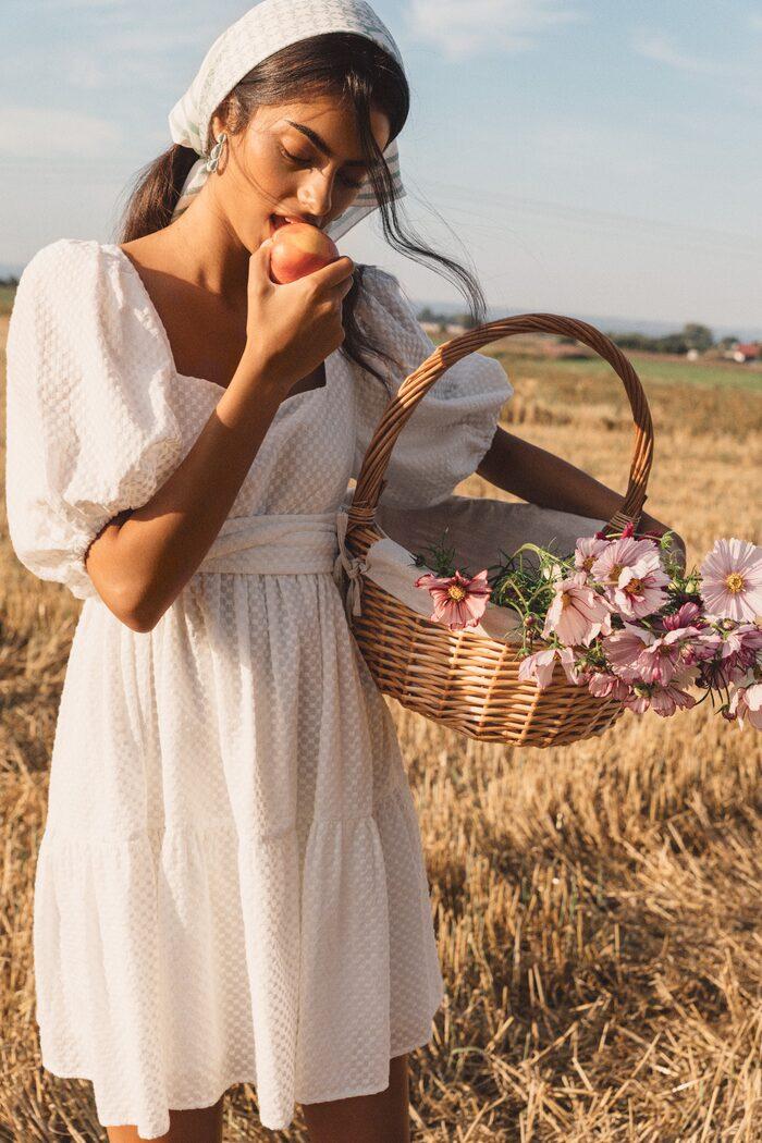 Klänning från By Malina vårkollektion 2021.