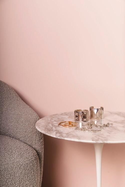 Perfect Pink gör sig perfekt i ett dressing room, tycker Ebba och Emilia.