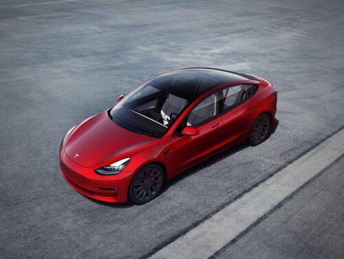 En stor del av kostnaden i en elbil ligger i batterierna.