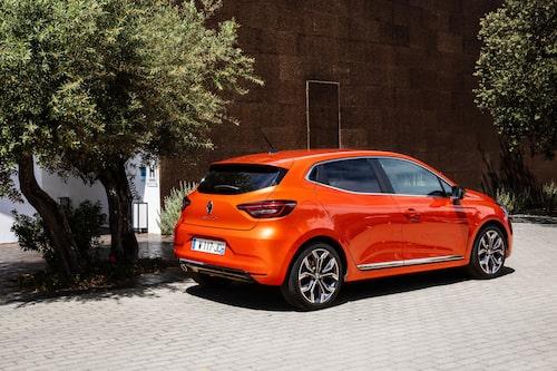Nya Clio är den första modellen som byggs på CMF-B-plattformen.