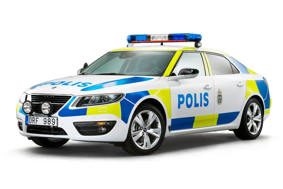 Nya Saab 9-5 som polisbil