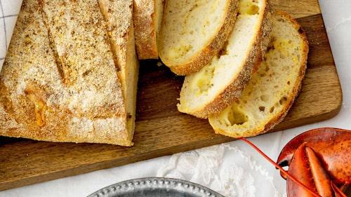 Recept på bondbröd med herbes de Provence.