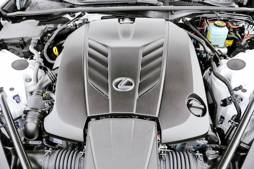 Klassisk V8 på 5 liter utan turbo som kräver sina varv för att komma till sin absoluta rätt.