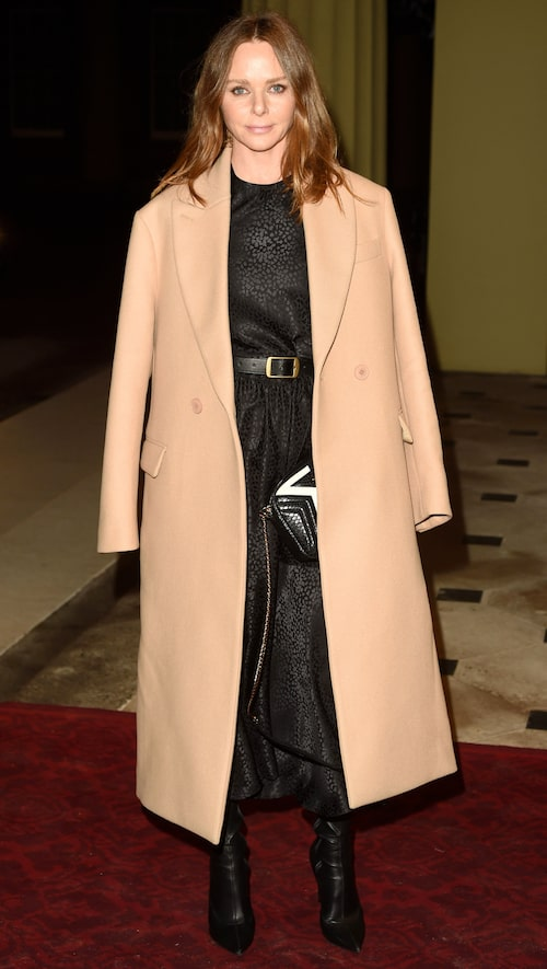 Stella har inte valt den enkla vägen i modevärlden, utan en väg där hon tar beslut som hon känner att hon kan stå för.