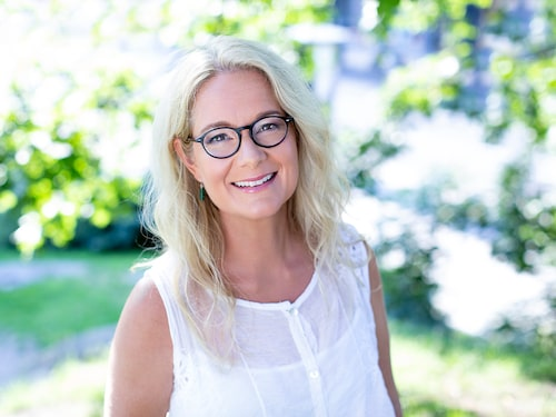 – När du irriterar dig på den andra behöver du först leta efter orsaken hos dig själv, säger parterapeuten Helen Västberg.