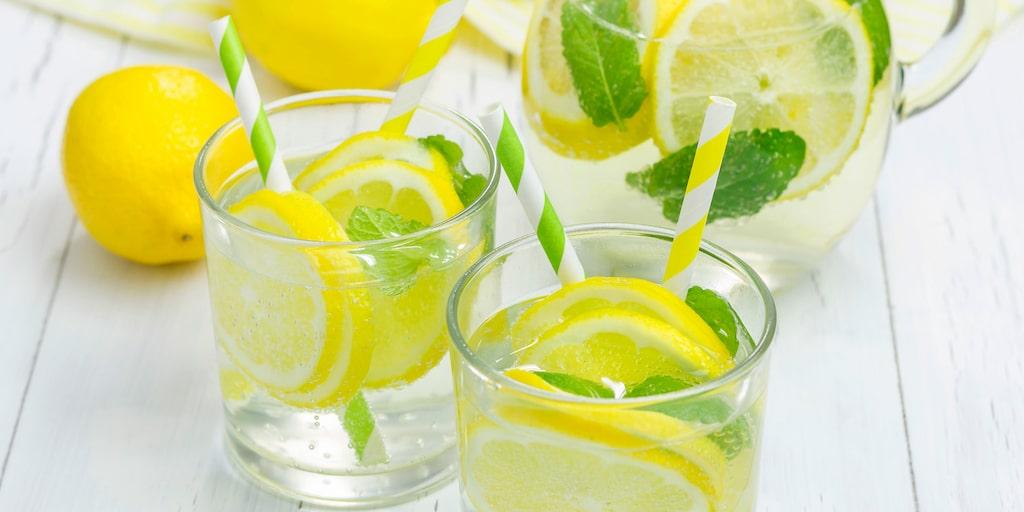 Är citronvatten verkligen nyttigt?