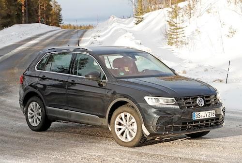 Volkswagen Tiguan är på väg att uppdateras, och får samtidigt en elmotor som ska ackompanjera bensinmotorn.