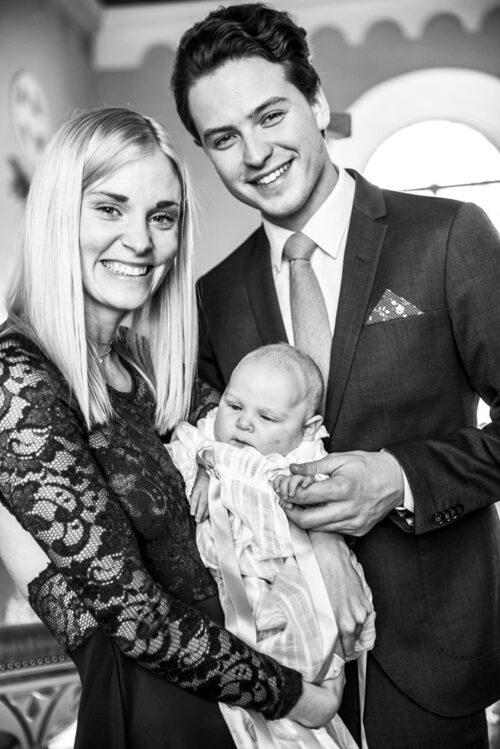 Johanna med sambon Jakob och sonen Elliot.