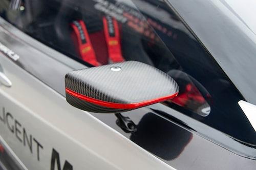 De aerodynamiska backspeglarna är läckra men sikten bakåt är inte den bästa.