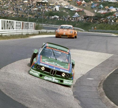 BMW 3,5 CSL med chassinummer 2275982 på Nürburgring 1976.