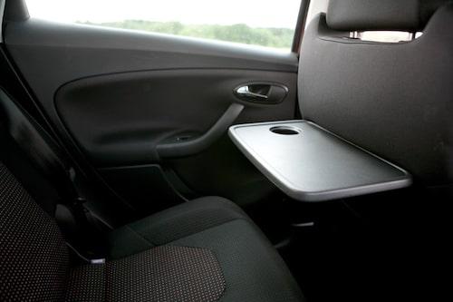 Bra utrymmen även i baksätet vilket gör att även tonårsbarnen kan sitta där.