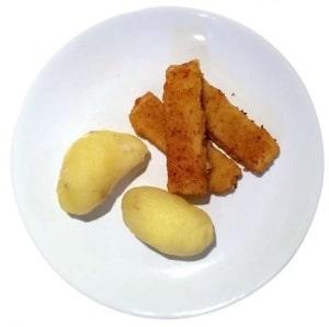 Barnfavoriten Fiskpinnar och potatis.