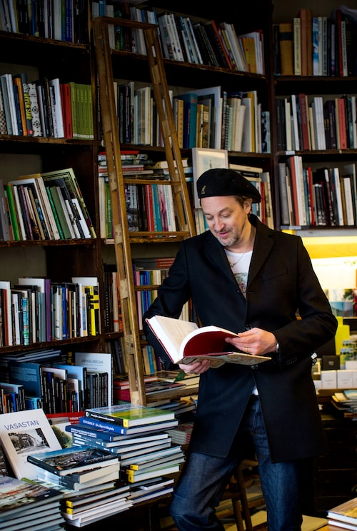 """S:t Pauls bok- & pappers-handel på Sankt Paulsgatan24har legat i samma lokal sedan 1888. """"Det påstås att Strindbergs dotter Greta har jobbat här. Bara en sån sak!"""""""