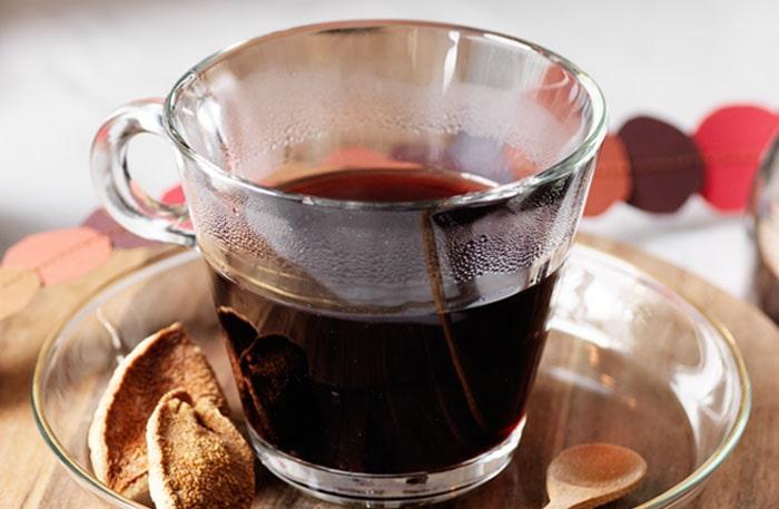 Recept på varm vinbärsglögg.
