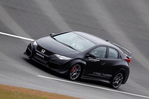 Då utvecklingsarbetet inte är klart vågar vi inte lova att den färdiga Civic Type R kommer att se ut exakt så här. Men vi hoppas!