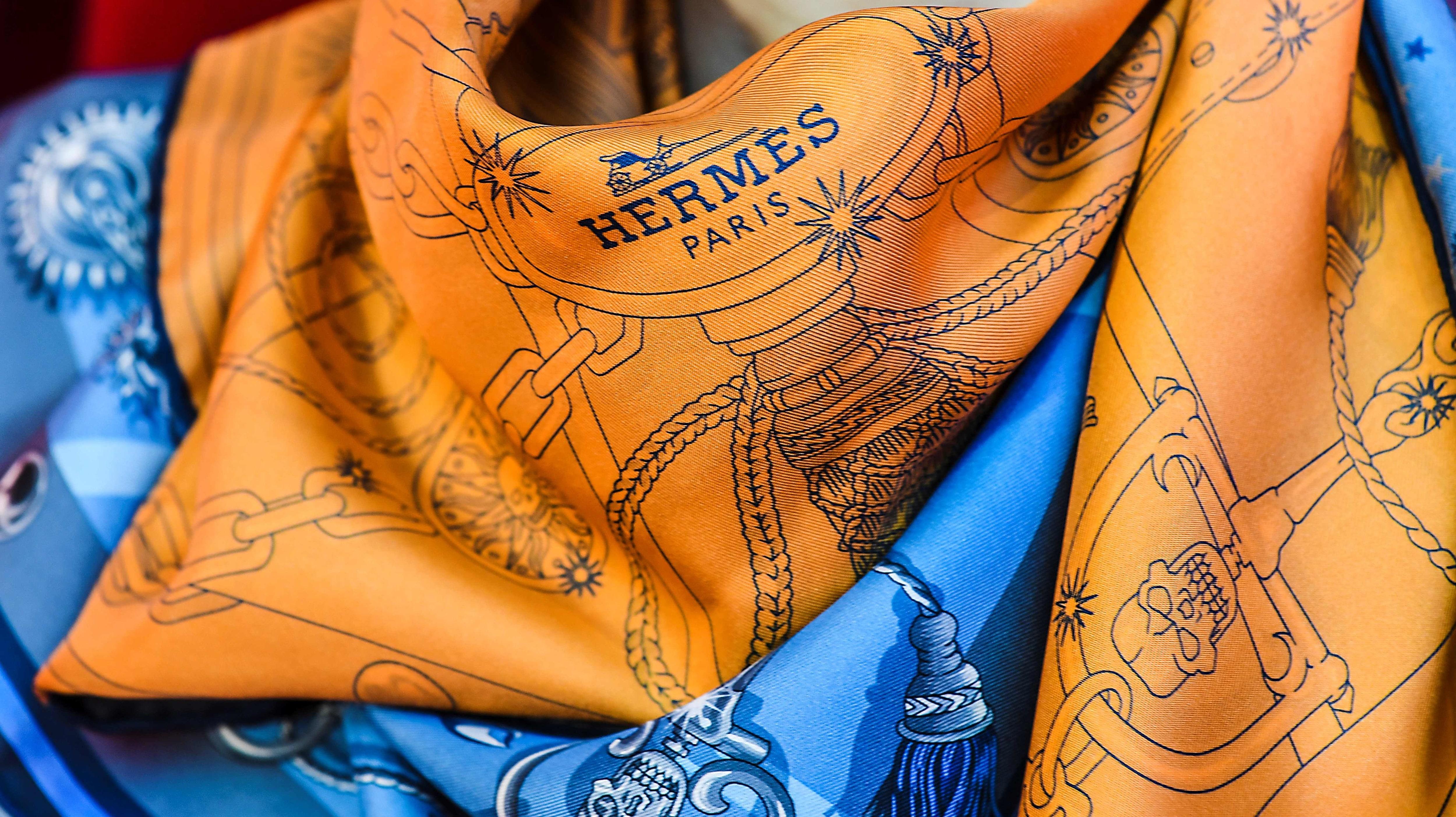 vad kostar en hermes scarf