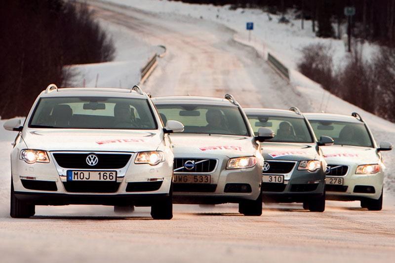 Från vänster till höger: Volkswagen Passat TSI EcoFuel, Volvo V70 2,5T AFV Bi-Fuel, Volkswagen Passat TDI BlueMotion Technology och Volvo V70 1,6D DRIVe.