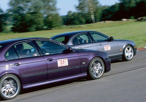 BMW M5 och Jaguar S-type R