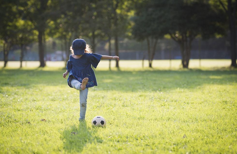 Sparka boll eller pyssla? För barn mellan 3 och 6 års ålder finns det plats för både och. Och nu kan man vara tillsammans på nya sätt.